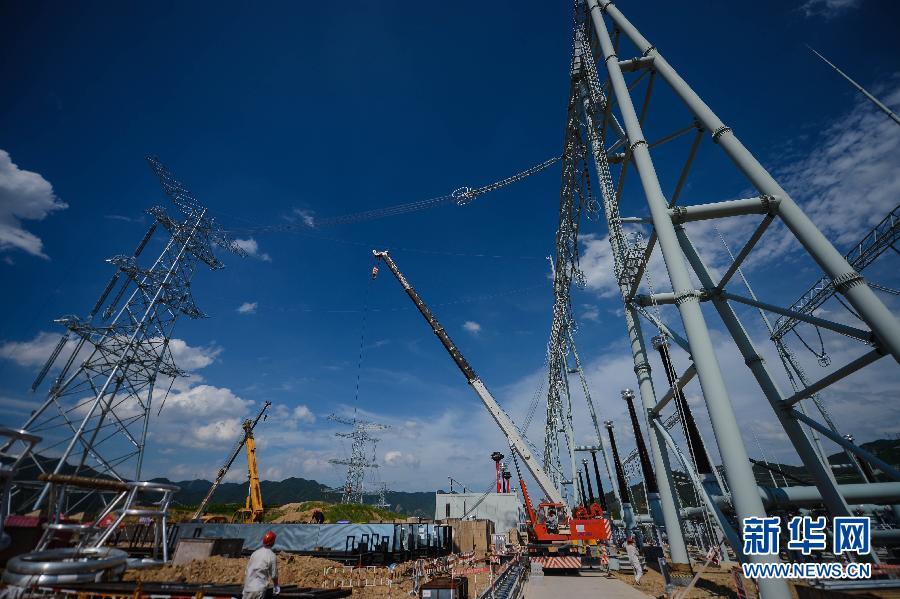 我国首条同塔双回路特高压交流输电工程进入最后冲刺