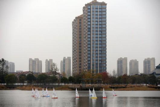 留云湖上演海模竞速 上海拓展水系体育新空间