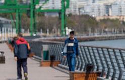 李强:让市民感受水清岸绿碧波荡漾景象