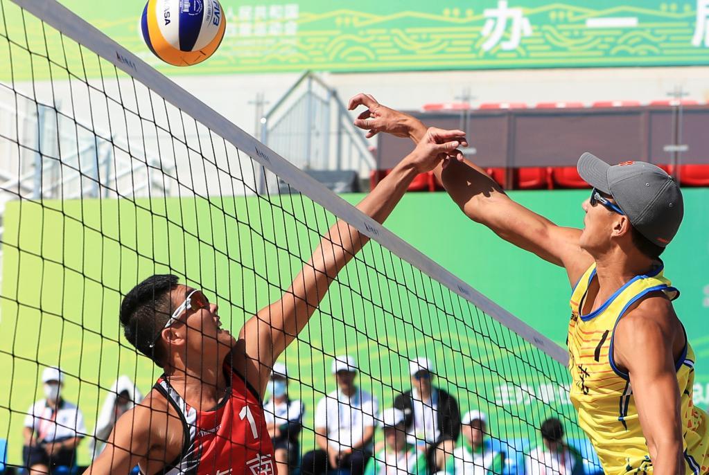 沙灘排球——男子成年組小組賽:江蘇一隊勝海南一隊