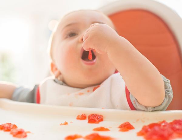 春节给宝宝乱喂食会致命 专家细数那些坑娃饮食