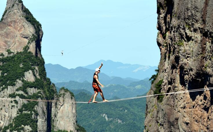 """高空芭蕾——中外扁带高手挑战""""神仙居"""""""