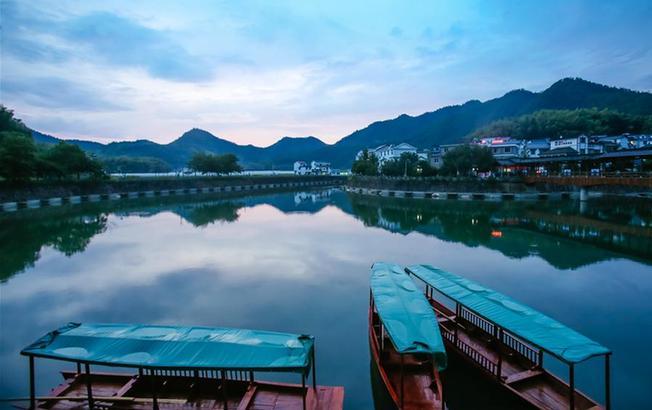 """从穷山沟到""""绿富美""""——浙江下姜村的绿色转变"""