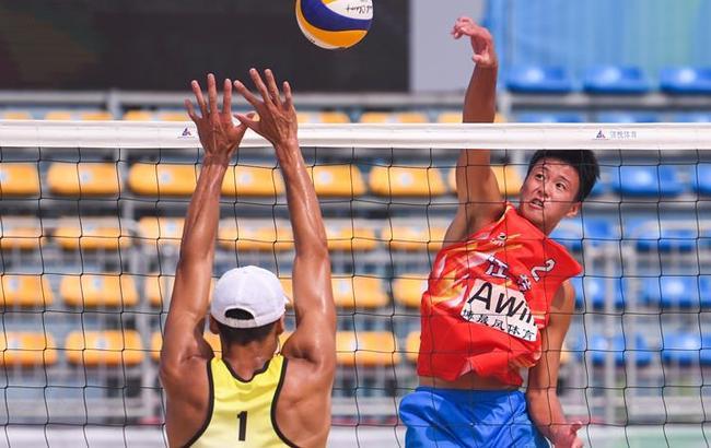 沙滩排球——男子小组赛:上海队胜江苏队