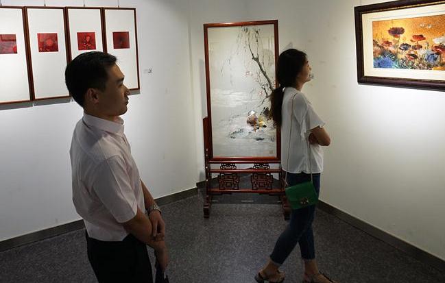 长三角工艺美术新人新作大赛作品展在南京开幕