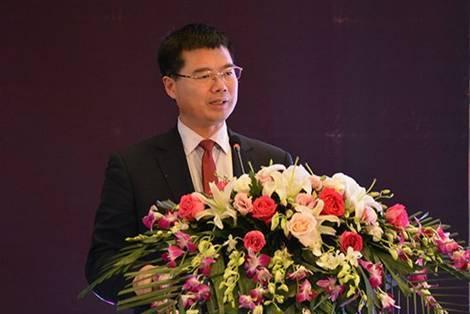 陆岷峰:金融科技浪潮下中小银行如何才不被边缘化