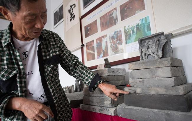 百年古窑窑火不熄 传统技艺烧制京砖