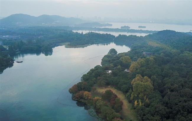 杭州西湖:多彩的秋意
