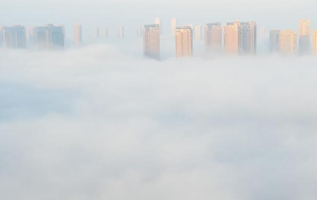 浙江上虞出现平流雾景观