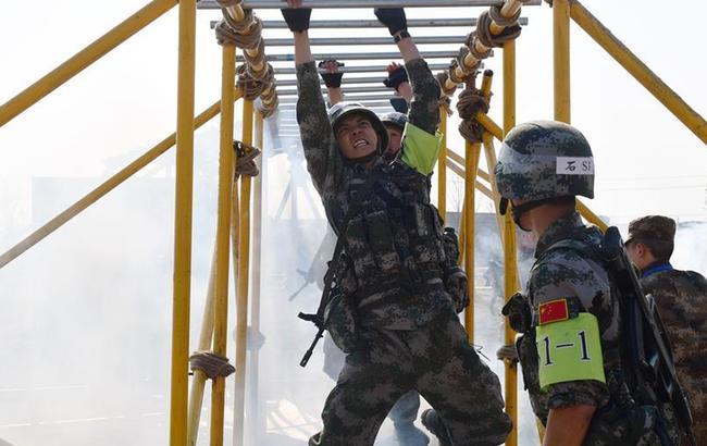 """中国军校""""精武杯""""军事项目对抗赛在南京举行"""