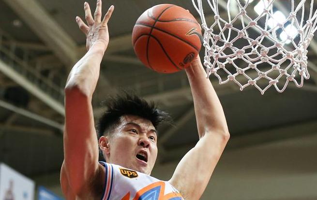 篮球——CBA常规赛:上海胜天津