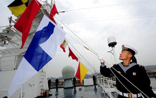 海军和平方舟医院船完成任务凯旋