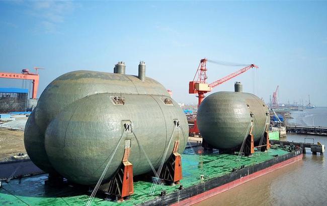 超大型船用C型液罐在江苏启东交付