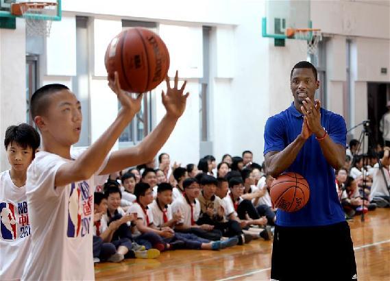 篮球——NBA球员校园授艺