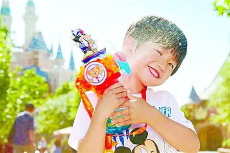 上海迪士尼度假区推夏日下午场票 最低票价299元