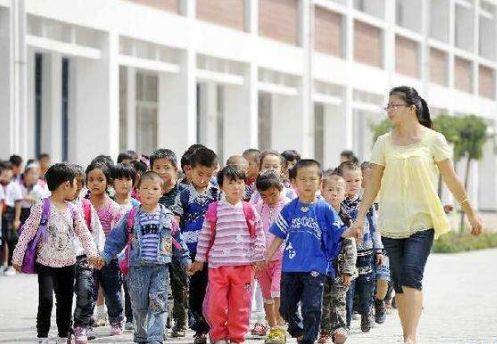 安徽:实行财政转移支付与中小学教师待遇优先保障政策落实挂钩