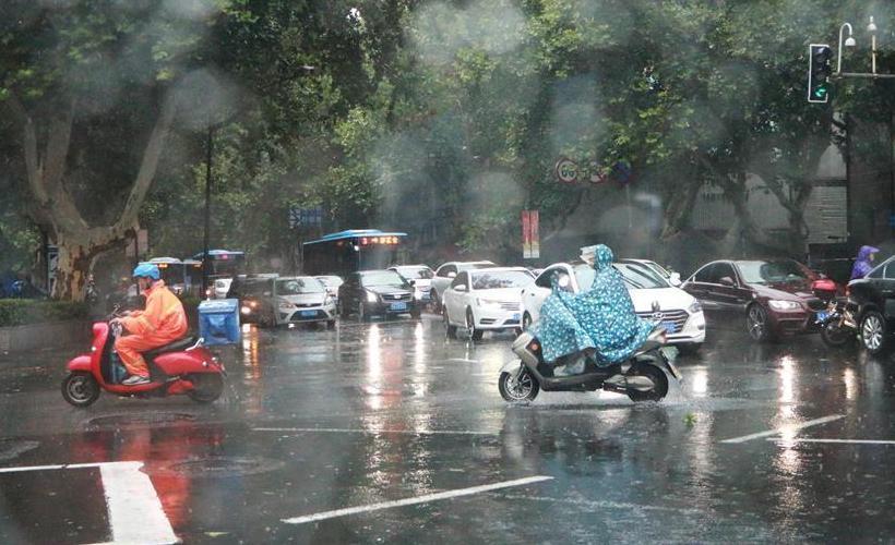 """台风""""温比亚""""强势来袭"""
