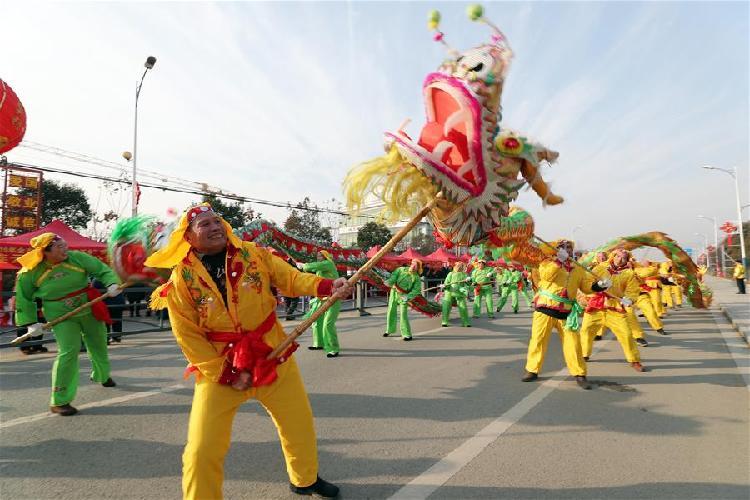 多彩表演迎新春