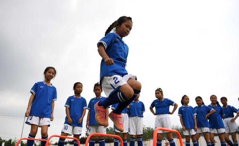 全民健身——足球炫动暑期
