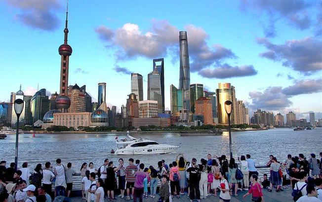 上海:藍天白雲水晶天