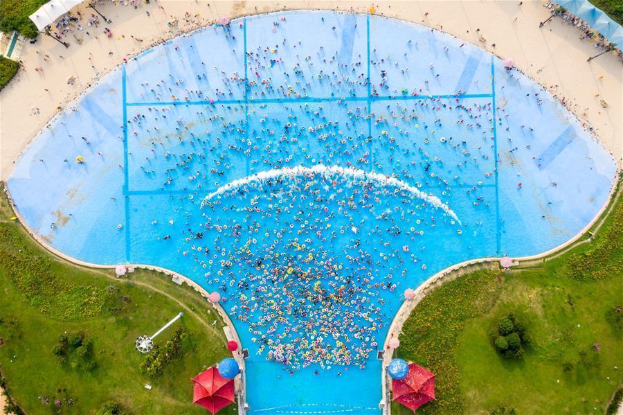 南京:戲水享清涼