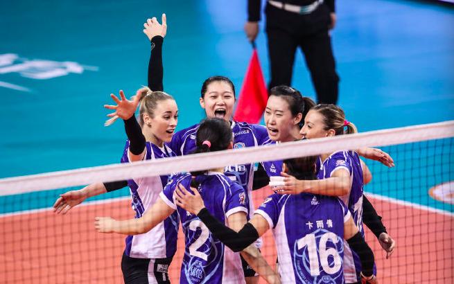 上海:排超半决赛上海女排抢占先机 3:1力克恒大