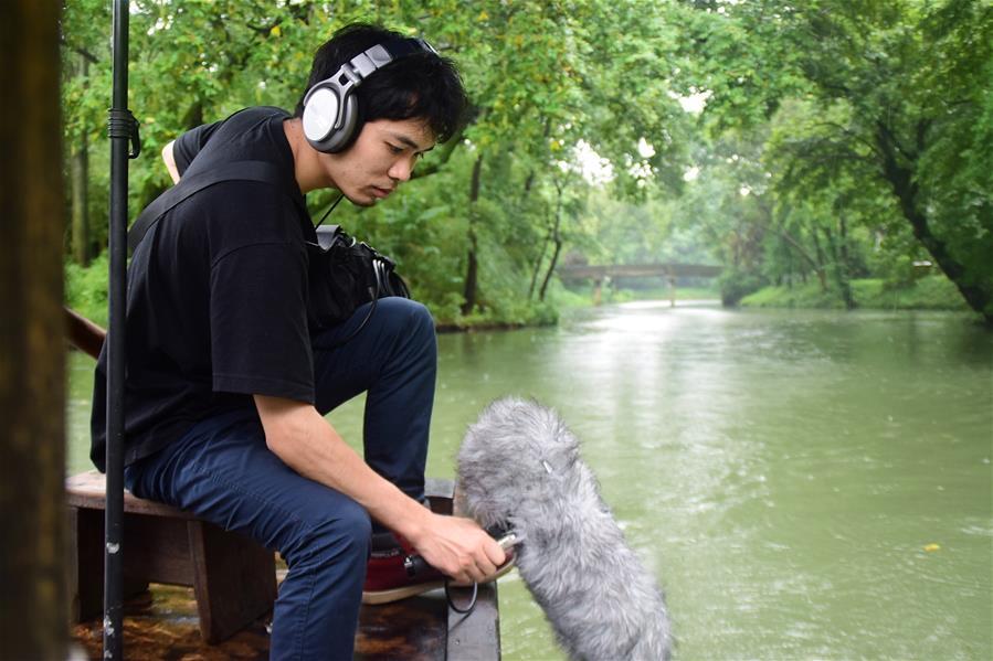 """85后""""田野录音师"""":聆听自然的声音"""