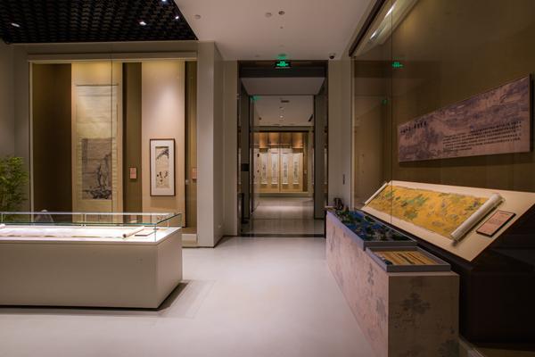 在上海苏宁艺术馆,观赏会动的《前浦理纶图》