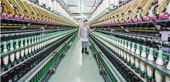 浙江德清:开足马力生产羊绒纱